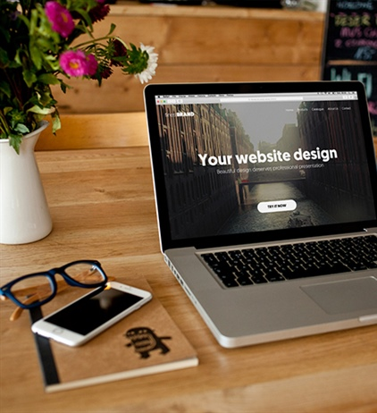 How are professional web agencies outperforming DIY website builders?
